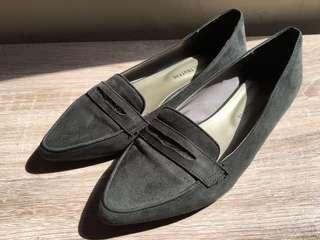 🚚 Oriental traffic質感墨綠低跟金屬鞋