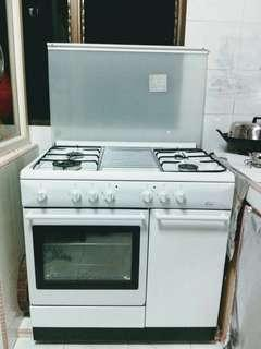 Good quality standing cooker with electric oven