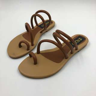 68fff6d5947f3 ENZO  WIKO TAN SLIP-ON SANDALS