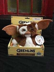 Singing dancing gizmo soft toy