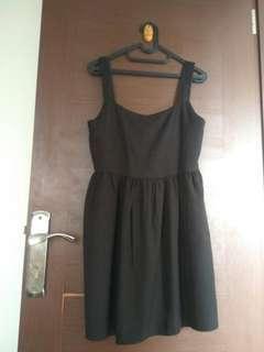 Dress hitam satu tali babydoll