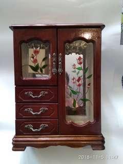 古董木製手飾櫃