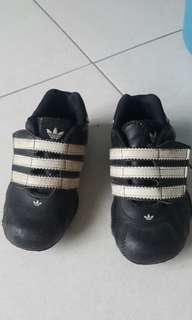 ORIGINAL Baby Adidas shoes 130 / 6.5