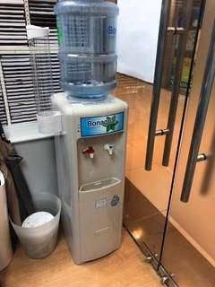 冷熱飲水機