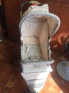 Comfortable, light, fashionable Baby stroller