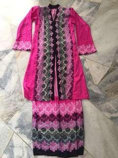 Tailormade Kebaya Batik Pink