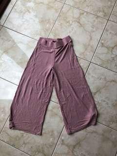 black / pink ribbed culottes