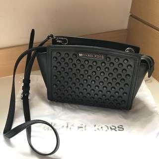 Michael Kors 黑色鍋釘真皮袋 可斜孭或側孭 bag