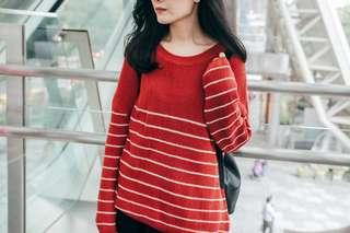 Red x white stripes knit sweater