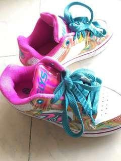 女童暴走鞋