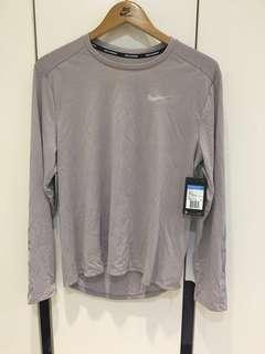 🚚 Nike 跑步長袖透氣排汗T恤 M號