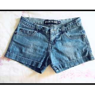 #Everything18 Voir Mid-rise Classic Stretchable Denim Shorts