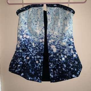 Fashionable strapless top