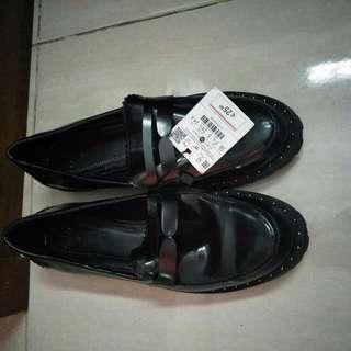 Bershka shoes black matte