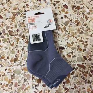 Quechua Arpenaz 100 mid socks (US 9-11.5)