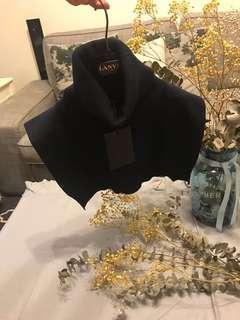 🚚 丹麥設計領口上衣針織毛衣