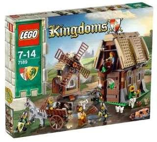 LEGO 7189 Castle Mill Village Raid (MISB)