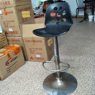 高腳椅可議