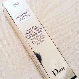 HOLIDAY SPECIAL RM45 (WAS RM50)  VALID FOR 2DAYS ONLY DIORSHOW ICONIC OVERCURL   SPECTACULAR VOLUME & CURL PROFESSIONAL MASCARA  RM50 LIMITED TIME  SHADE : OVER BLACK   100% AUTHENTIC AND BRAND NEW IN BOX  DELUXE SIZE