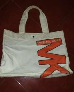 Mk shopping tote in canvas