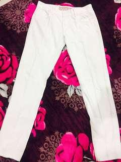 white jeans slim fit