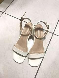 🚚 D+AF 白色涼鞋 40號