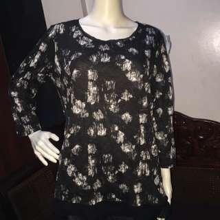 SIMPLY VERA black longsleeve blouse with white print design