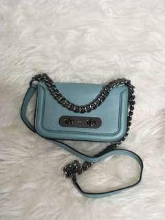 Coach 57446 Swagger Shoulder Bag 20 Glovetanned Leather Crossbody Cloud
