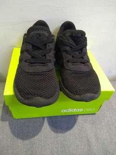 Adidas Neo Original Sepatu Anak size 8,5 (US)/ 8 (UK)