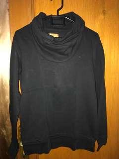 Zara Man Sweater. Warna Hitam