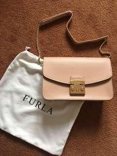 Furla metropolis large authentic