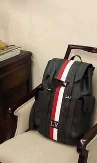 🚚 Lv CHRISTOPHER後背包