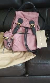 Burberry Backpack 斜背式軍旅背包(限量粉色) 100%Real全新
