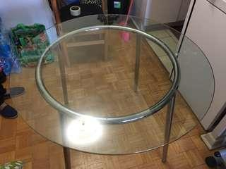 Glass Round Table, 41 inches in diameter, detachable, very good condition, no chips or cracks Pick up only