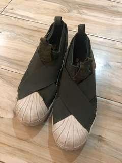 Adidas slip on army green