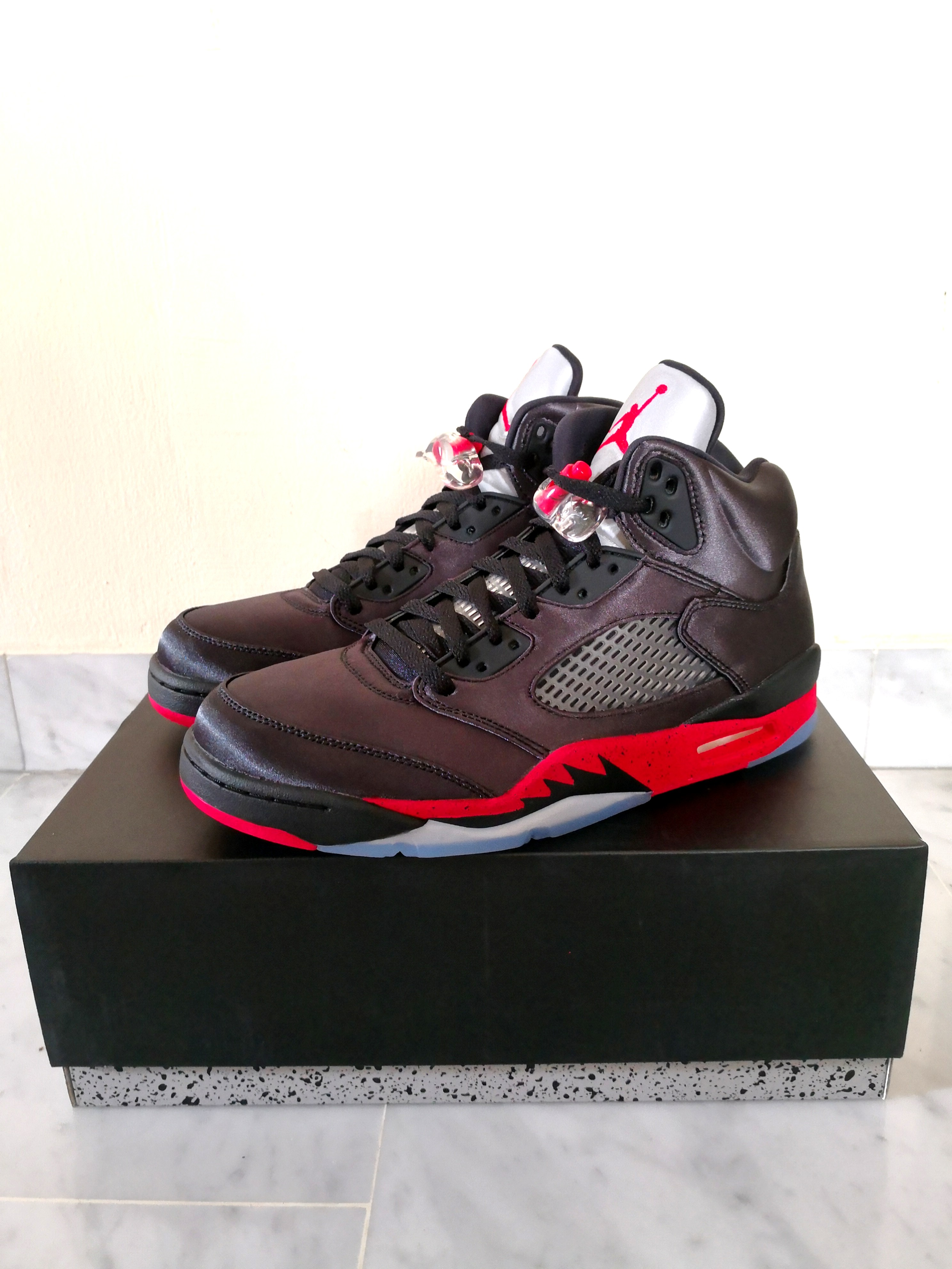 quality design 5ce34 b01d9 Air Jordan 5 stain us9. 5, Men s Fashion, Footwear, Sneakers on ...