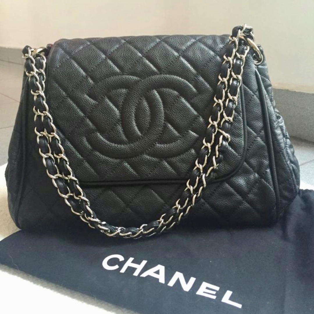 AUTH Chanel Accordion Flap Bag Black Caviar Leather 00527b236141f