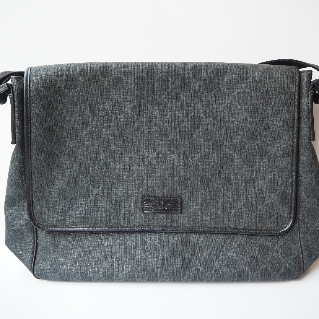 d44093803 Gucci Messenger GG Supreme Shoulder Bag, Men's Fashion, Bags & Wallets, Sling  Bags on Carousell