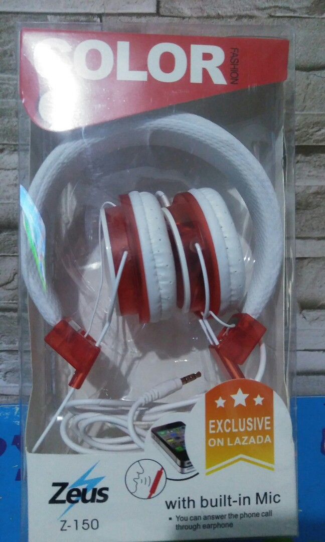 f0e0036642b HEADPHONE/HEADSET with built in MIC, Electronics, Audio on Carousell