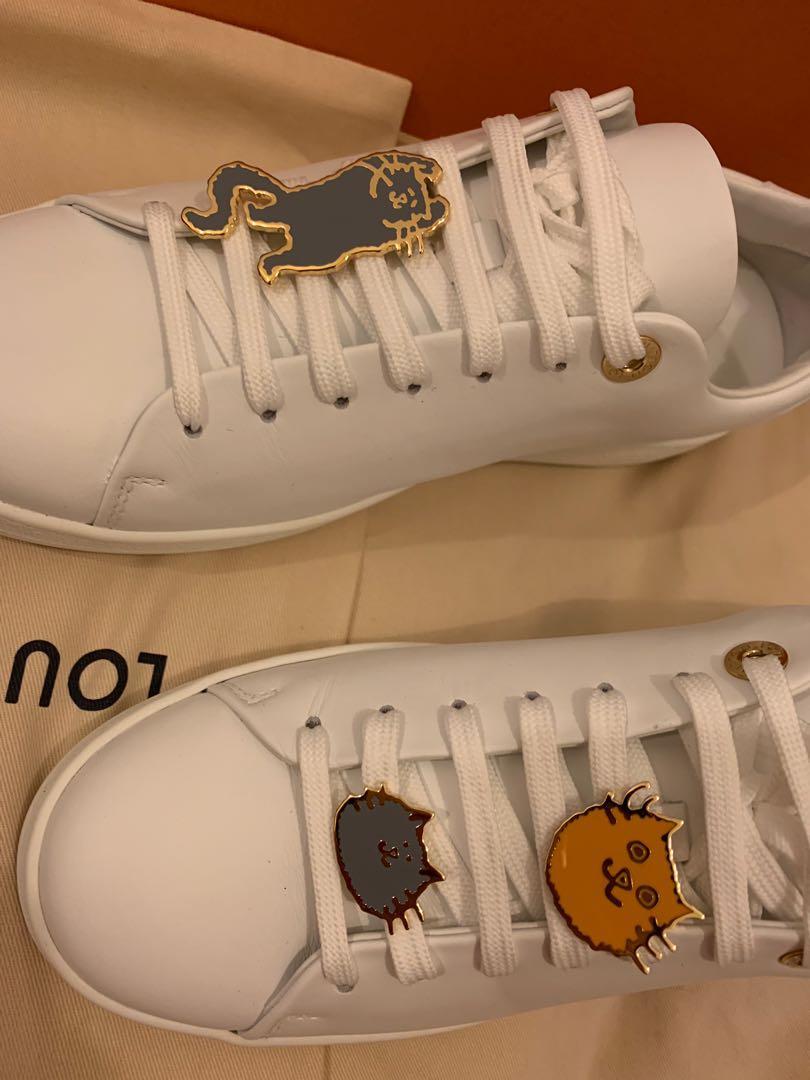Louis Vuitton cat sneaker 37.5, Luxury