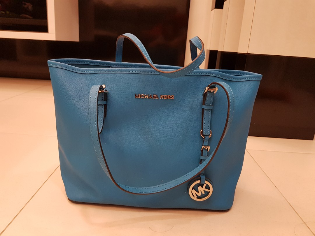 ab5607e471eb Michael Kors Jet Set Tote Bag Tile Blue