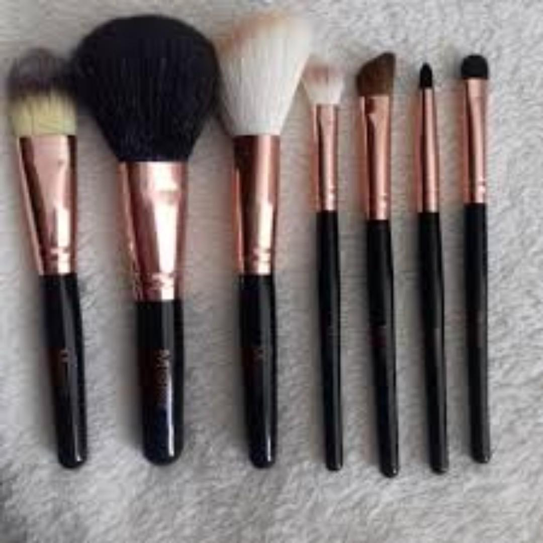 Morphe - 7 Piece Rose Brush Set BRAND NEW & AUTHENTIC (PRICE IS FIRM, NO SWAPS)