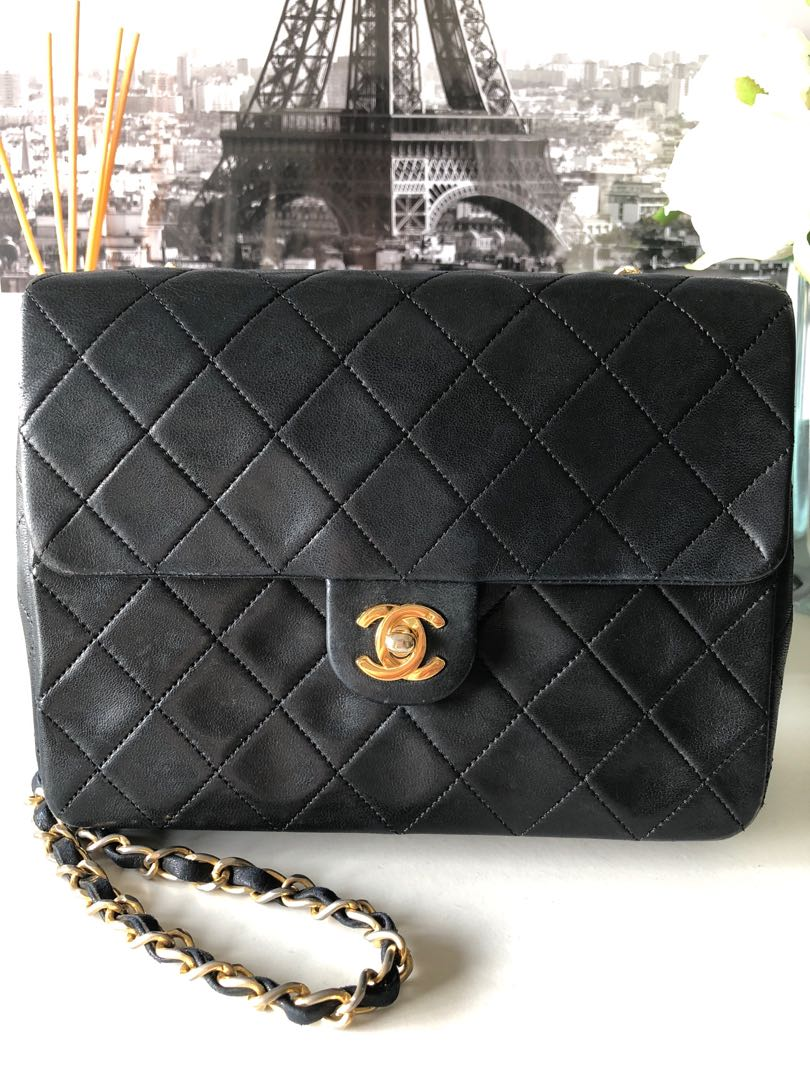 b23cc689b436 Vintage Chanel Black Lambskin Leather Quilted Mini Classic 2.55 Shoulder Bag