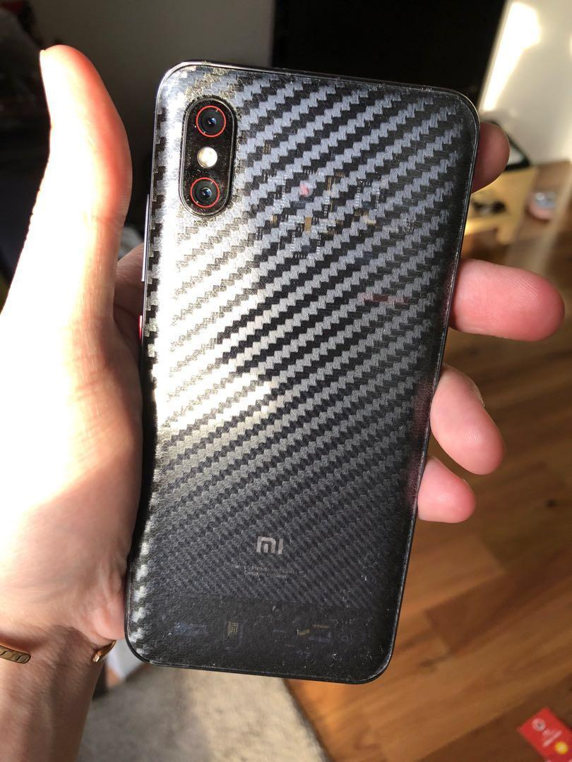Xiaomi 8 Explorer Edition and free gifts