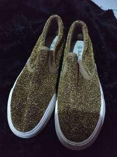 Shoes gold gliter