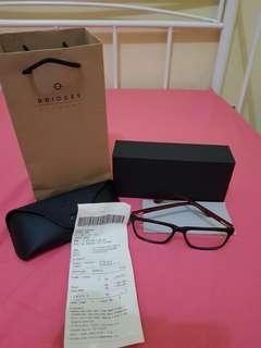 Sunglasses original brand bridges minus 1.Lengkap dengan case kacamata, box, paper bag dan struk pembelian.Beli dicentral park mall.Harga beli 1.2 juta.Jarang dipakai masih sangat mulus, like new!
