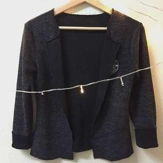 Cardigan : Black Colour