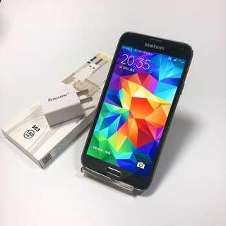 Samsung S5 32g good condition and functionality with charger no box no headphones