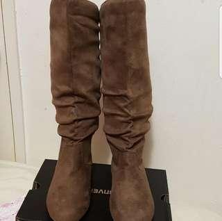 Brand New Suede Boots Size US 5