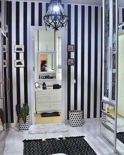 Black & White Strips Wallpaper